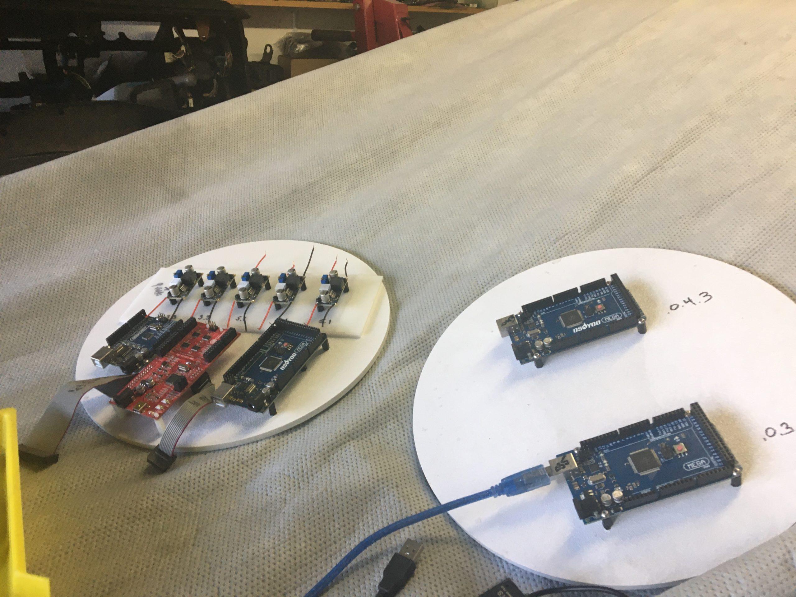 3 Megas, an Uno and a Bridge + Buck Converters